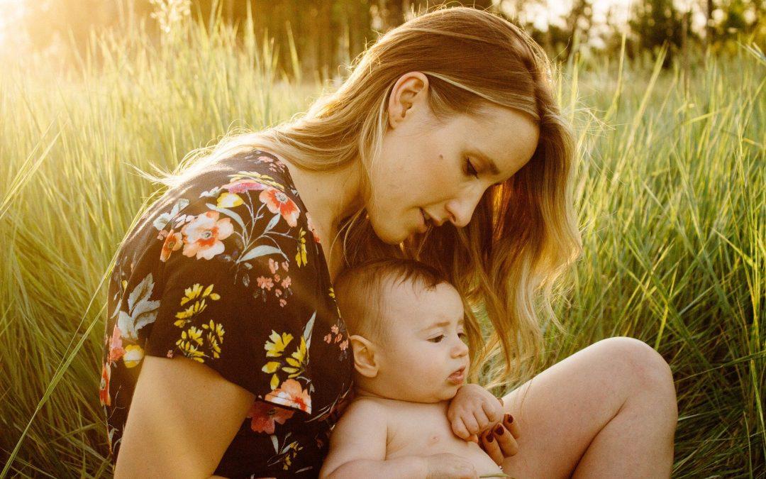 Jeune maman, comment prendre soin de toi et de tes besoins ?